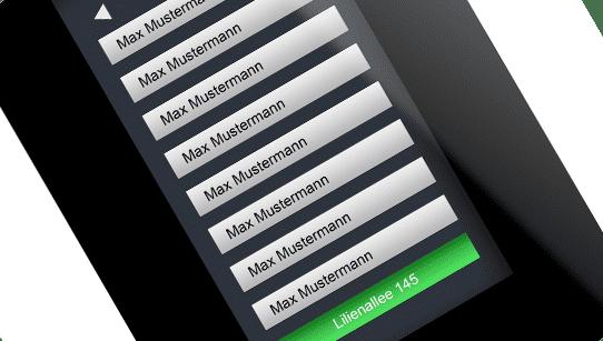 Namensliste auf Touchscreen der Türklingel