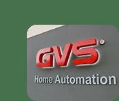 GVS Logo an Firmengebäude mit zentral gesteuerter LED-Beleuchtung